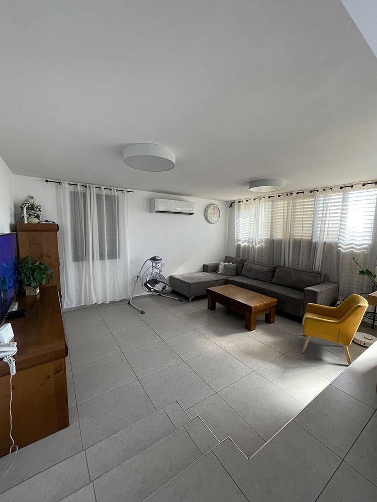 דירה למכירה ברחוב דולינסקי